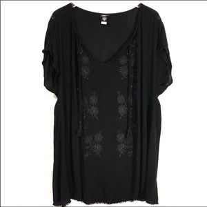 Torrid Floral Embroidery Blouse - 1X